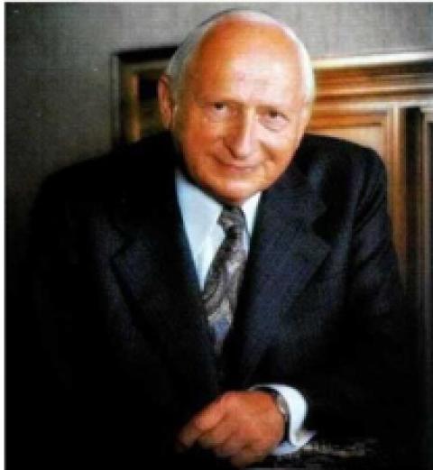 Краткая биография Рейнхольда Фолля